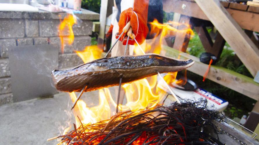盛り上がること間違いなし!キャンプでカツオのたたきを作る方法